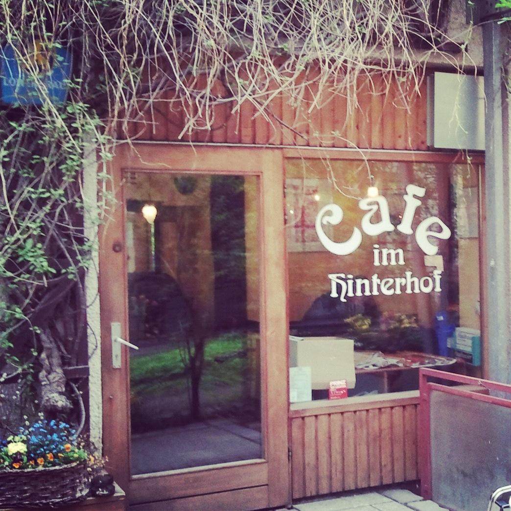 Cafe Im Hinterhof In Haidhausen
