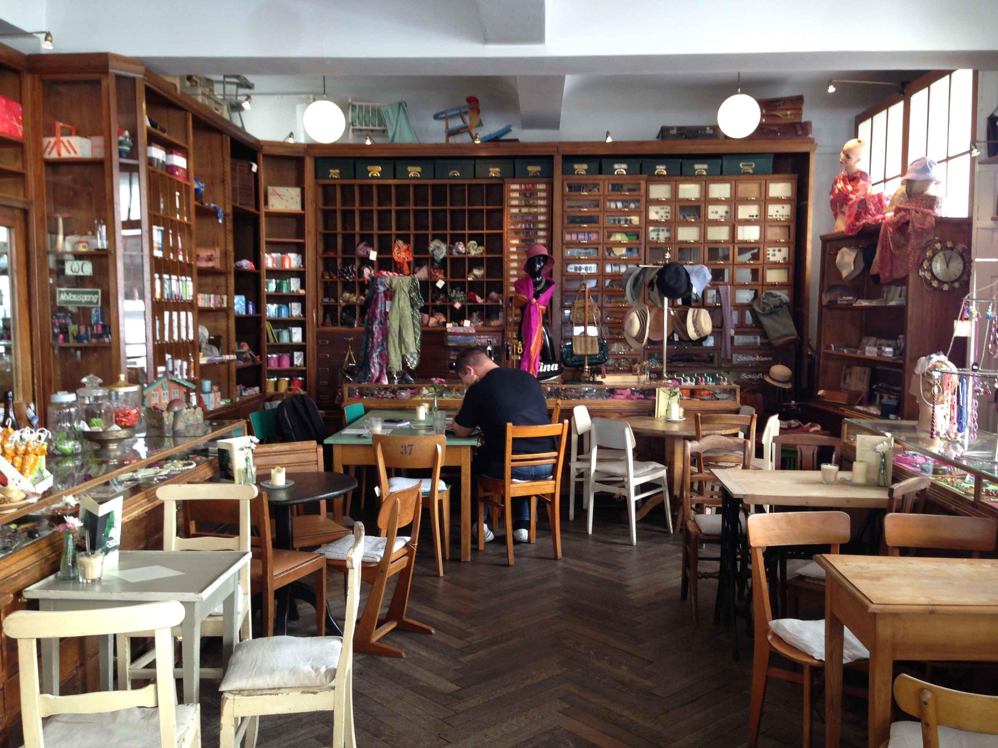 Bis Cafe Bar