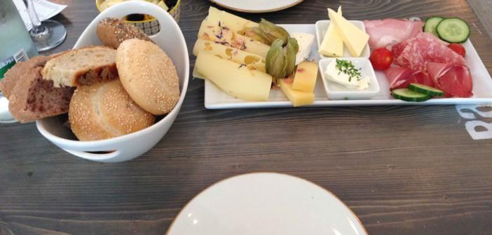 White-Rabbit-Frühstück